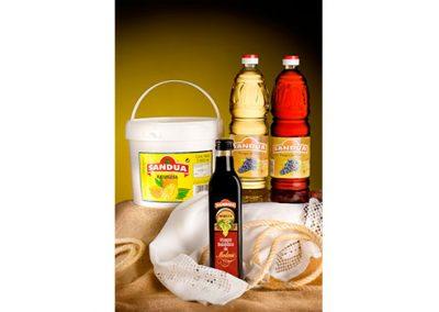 Mayonesa y vinagre tinto, blanco y Modena de Sandua