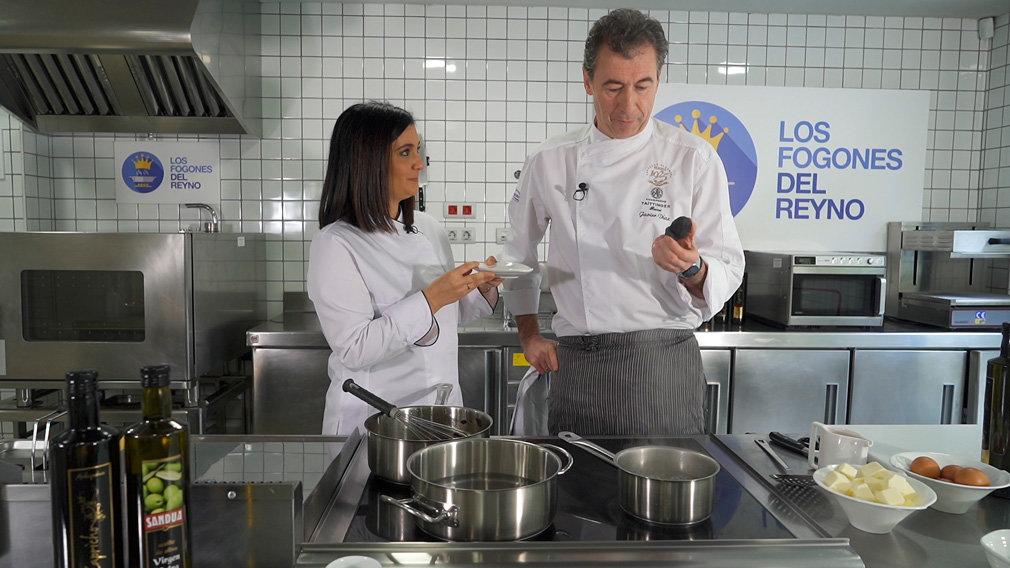 En el programa de televisión, los Fogones del Reyno, se cocina con Sandúa